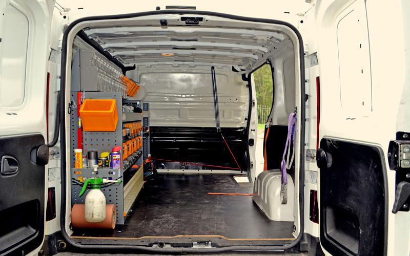 Manutenzione straordinaria su carriponte e attrezzature di sollevamento pesi